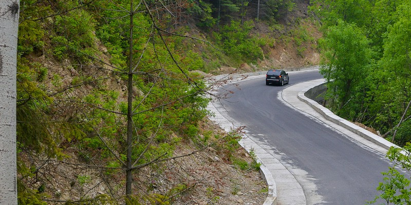 Drum Valiug-Slatina Timis_DJ 582_Consiliul Judetean Caras-Severin